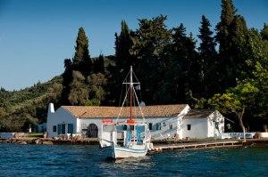 corfu-waterfront-villa-5